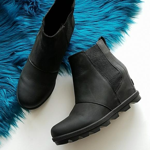 af480d991b8 Sorel Joan of Arctic Wedge II Chelsea Boots Black.  M 5c4b48478ad2f949da175914